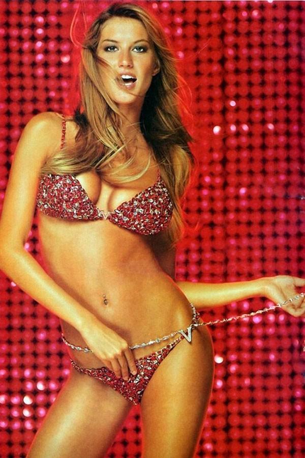 Điểm danh những mẫu nội y Fantasy Bra đình đám nhất lịch sử Victoria's Secret - Ảnh 1.