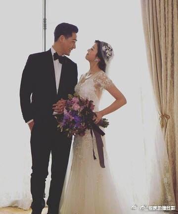 Vợ chồng Châu Du Dân đăng ảnh ngọt ngào kỷ niệm 3 năm ngày cưới - Ảnh 2.