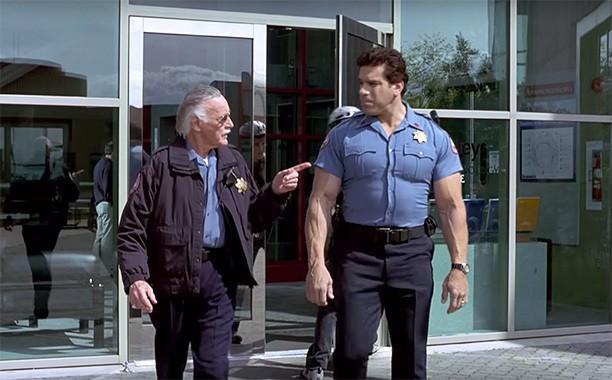 """Nhìn lại những vai diễn """"cameo"""" ấn tượng của """"cha đẻ"""" Marvel Stan Lee - Ảnh 1."""