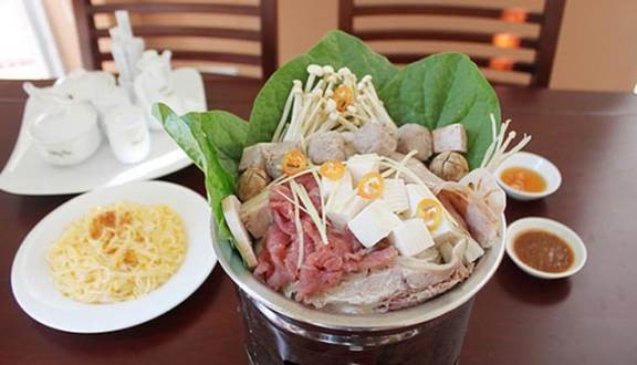 foody-mobile-nha-hang-van-hue-lau-lam-dong-140612023721