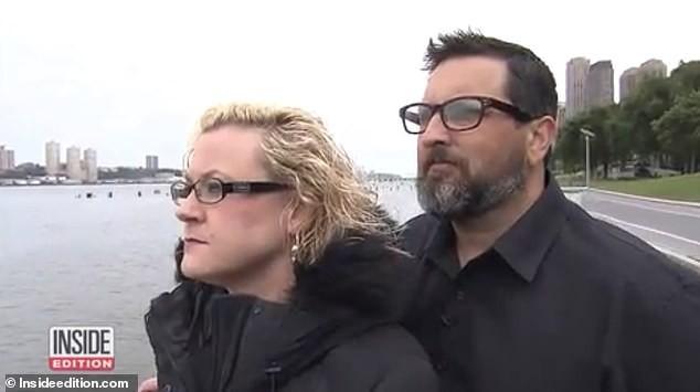 Cặp đôi tức giận khi tìm thấy camera giấu trong phòng riêng trên tàu du lịch - Ảnh 1.