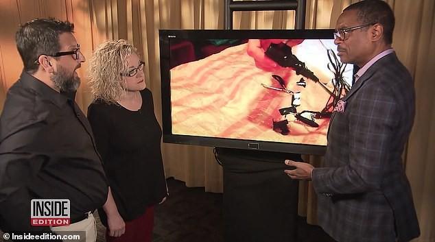 Cặp đôi tức giận khi tìm thấy camera giấu trong phòng riêng trên tàu du lịch - Ảnh 2.