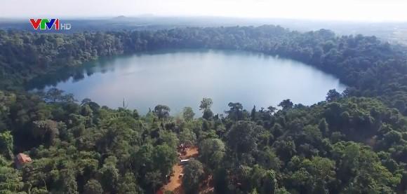 Vẻ đẹp thanh bình của hồ Yeak Loam, Campuchia - Ảnh 1.