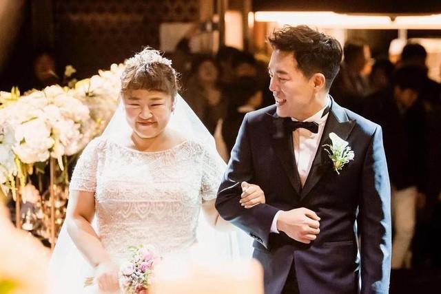 """Chuyện tình cổ tích của """"cô nàng xấu xí"""" xứ Hàn với bạn diễn điển trai - Ảnh 5."""