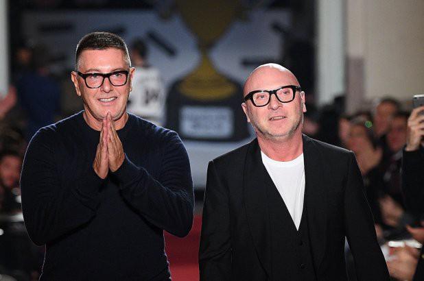 Lý do nào khiến hãng thời trang Dolce & Gabbana bị tẩy chay tại Trung Quốc? - Ảnh 1.