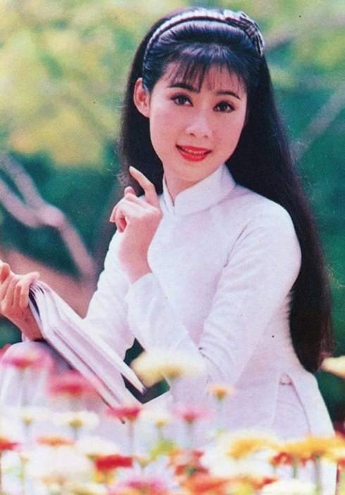"""Diễm Hương - """"Đệ nhất mỹ nhân"""" của màn ảnh Việt giờ ra sao? - Ảnh 1."""