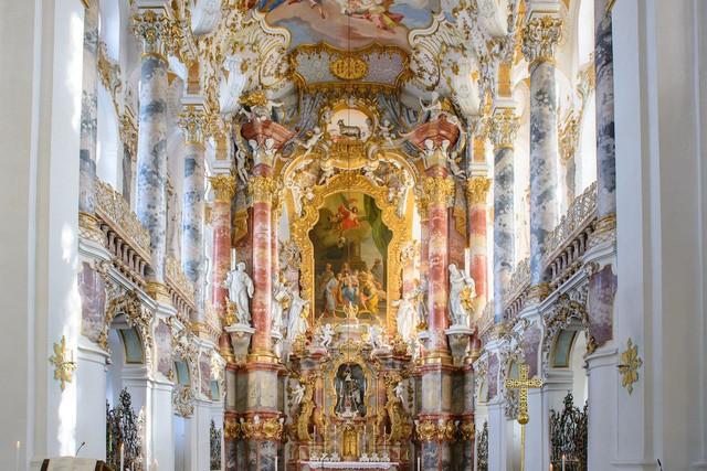 7 nhà thờ có kiến trúc kì lạ hấp dẫn du khách - Ảnh 2.