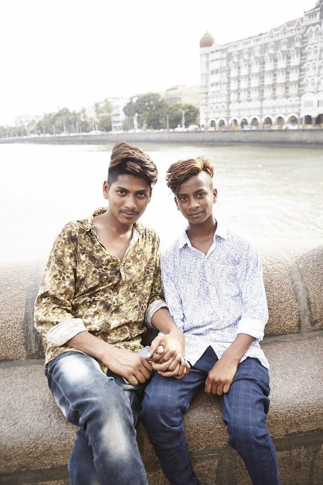 Đàn ông nắm tay nhau đi trên phố - Nét văn hóa thú vị của người Ấn Độ - Ảnh 8.