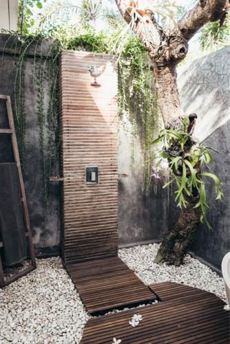Những mẫu phòng tắm ngoài trời tuyệt đẹp - Ảnh 6.