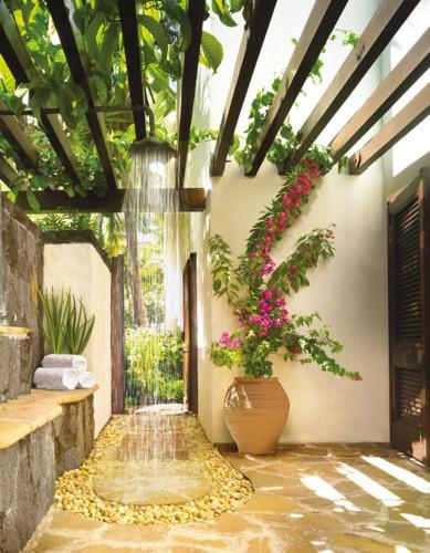 Những mẫu phòng tắm ngoài trời tuyệt đẹp - Ảnh 8.