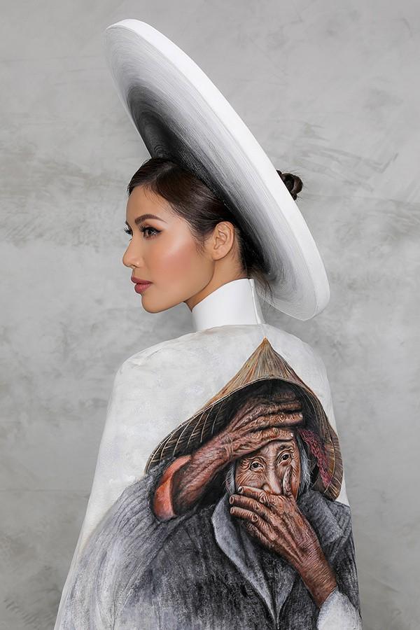 Minh Tú công bố trang phục in hình bà cụ Việt đẹp nhất thế giới - Ảnh 1.