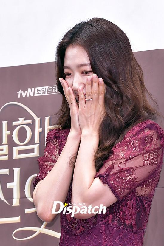 Park Shin Hye như quý cô bên Hyun Bin ra mắt phim mới - Ảnh 4.