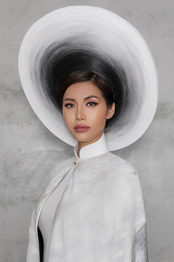 Minh Tú công bố trang phục in hình bà cụ Việt đẹp nhất thế giới - Ảnh 4.