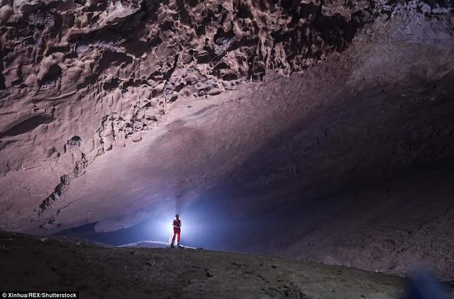 Bên trong hang động có thể chứa vừa... 4 đại kim tự tháp Giza ở Trung Quốc - Ảnh 2.