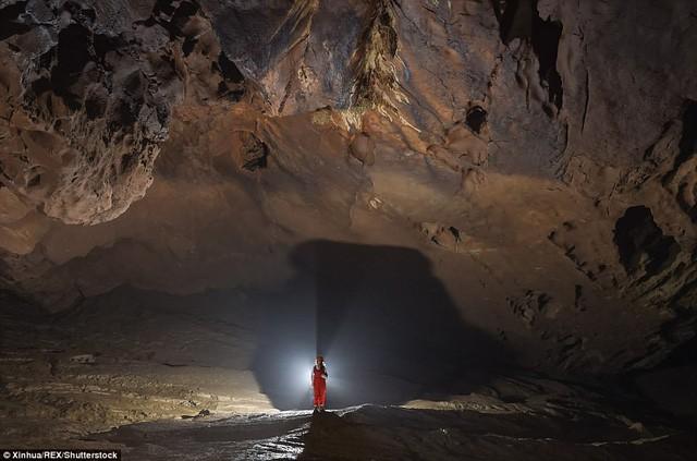 Bên trong hang động có thể chứa vừa... 4 đại kim tự tháp Giza ở Trung Quốc - Ảnh 3.