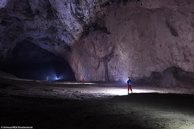 Bên trong hang động có thể chứa vừa... 4 đại kim tự tháp Giza ở Trung Quốc - Ảnh 5.