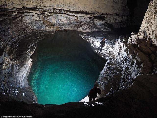 Bên trong hang động có thể chứa vừa... 4 đại kim tự tháp Giza ở Trung Quốc - Ảnh 6.