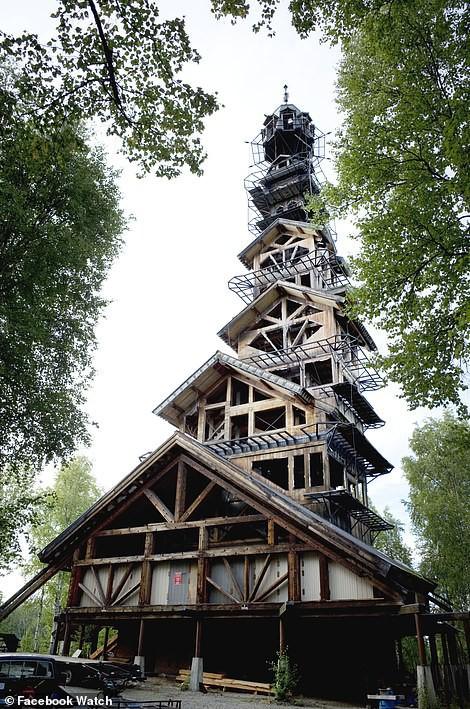 Những ngôi nhà có thiết kế quái dị nhất thế giới - Ảnh 6.