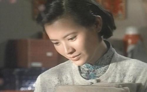 Nhìn lại cuộc đời đầy bi kịch của mỹ nhân bậc nhất Hong Kong thập niên 80 - Ảnh 1.
