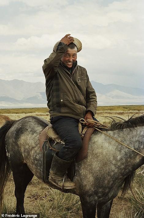 Những bức ảnh mê hoặc về Mông Cổ - Ảnh 13.