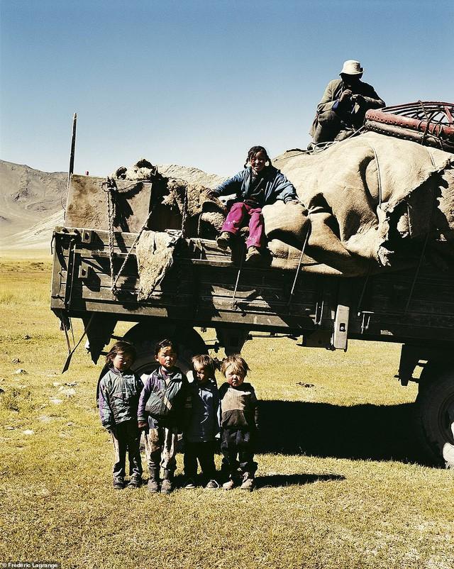 Những bức ảnh mê hoặc về Mông Cổ - Ảnh 6.