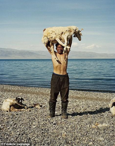 Những bức ảnh mê hoặc về Mông Cổ - Ảnh 7.