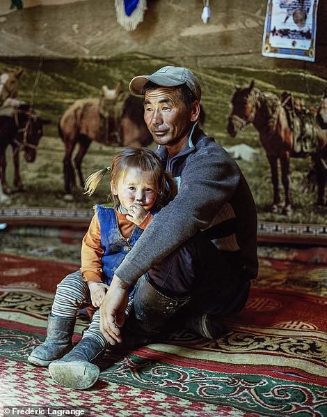 Những bức ảnh mê hoặc về Mông Cổ - Ảnh 8.
