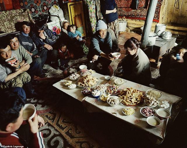 Những bức ảnh mê hoặc về Mông Cổ - Ảnh 9.