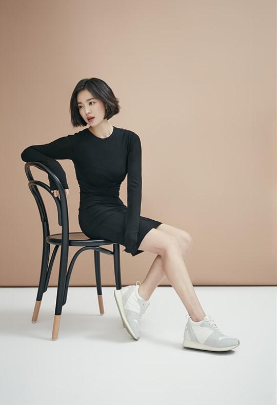 Song Hye Kyo khác lạ với tóc ngắn - Ảnh 6.