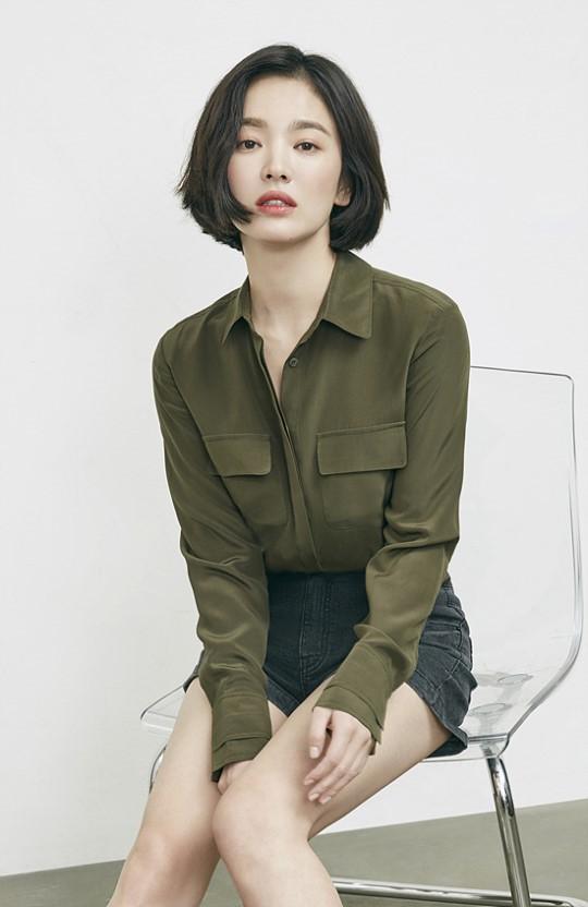 Song Hye Kyo khác lạ với tóc ngắn - Ảnh 5.