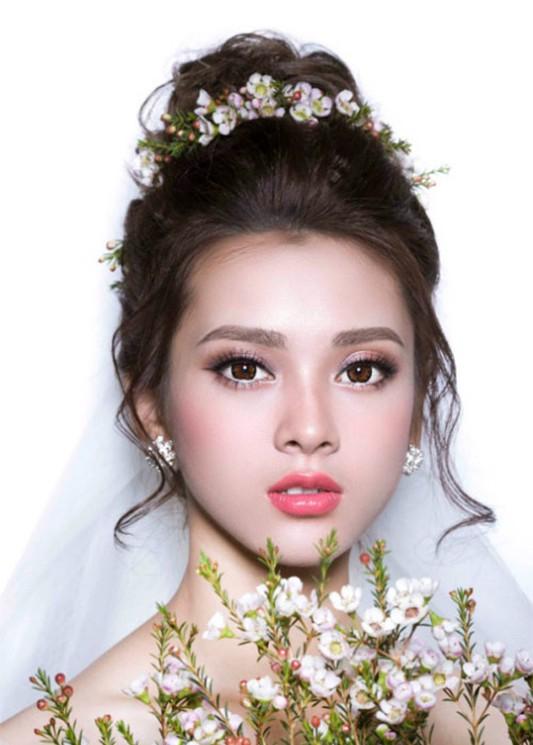 Giao lưu trực tuyến 10H Thế hệ số: Đẹp trong ngày cưới - Ảnh 1.