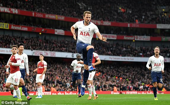 VIDEO Arsenal 4-2 Tottenham: Derby London giàu cảm xúc - Ảnh 2.