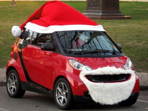 Ô tô cho tới xe tăng hóa tuần lộc, ông già Noel dịp Giáng sinh - Ảnh 2.