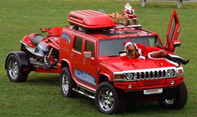Ô tô cho tới xe tăng hóa tuần lộc, ông già Noel dịp Giáng sinh - Ảnh 4.