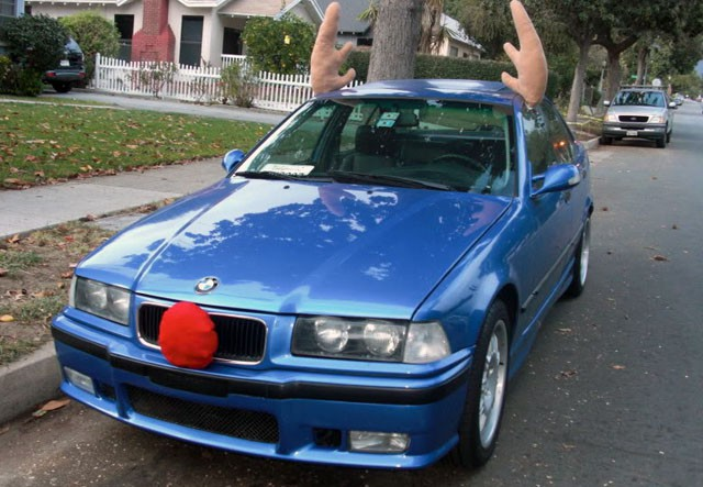 Ô tô cho tới xe tăng hóa tuần lộc, ông già Noel dịp Giáng sinh - Ảnh 5.