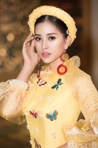 Hoa hậu Tiểu Vy diện áo dài rạng rỡ cùng dàn mẫu nhí - Ảnh 5.