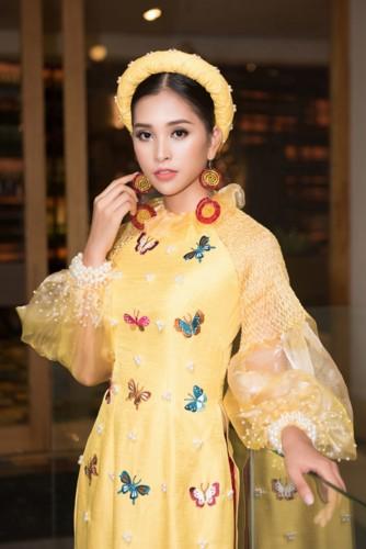 Hoa hậu Tiểu Vy diện áo dài rạng rỡ cùng dàn mẫu nhí - Ảnh 6.