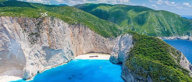 10 bãi biển đẹp nhất thế giới năm 2018 - Ảnh 1.