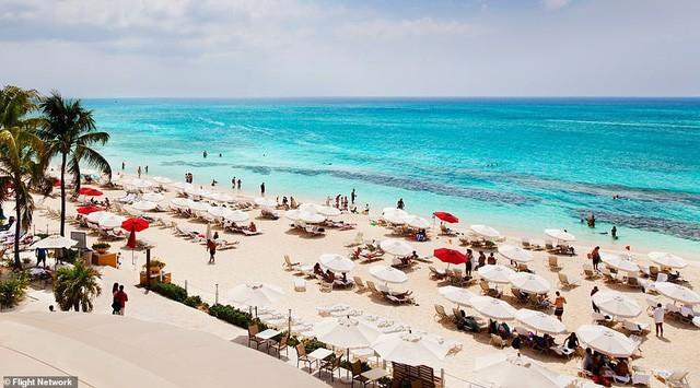 10 bãi biển đẹp nhất thế giới năm 2018 - Ảnh 7.