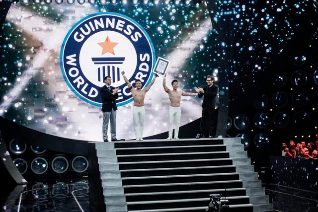 Quốc Cơ, Quốc Nghiệp lập kỷ lục Guinness thế giới lần 2 - Ảnh 9.