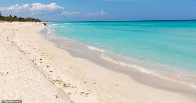 10 bãi biển đẹp nhất thế giới năm 2018 - Ảnh 10.