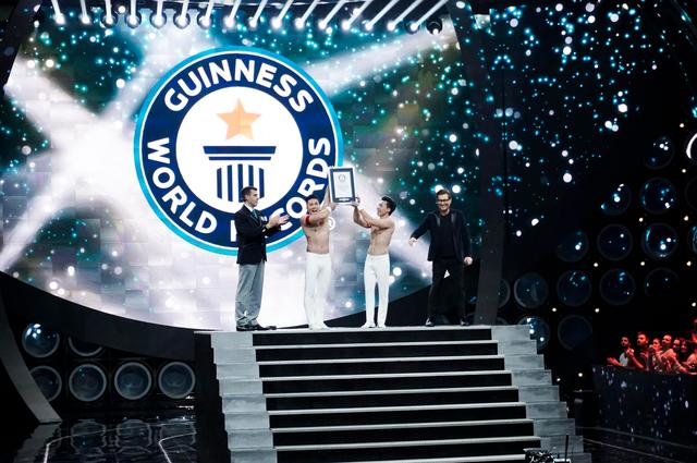 Quốc Cơ, Quốc Nghiệp lập kỷ lục Guinness thế giới lần 2 - Ảnh 10.