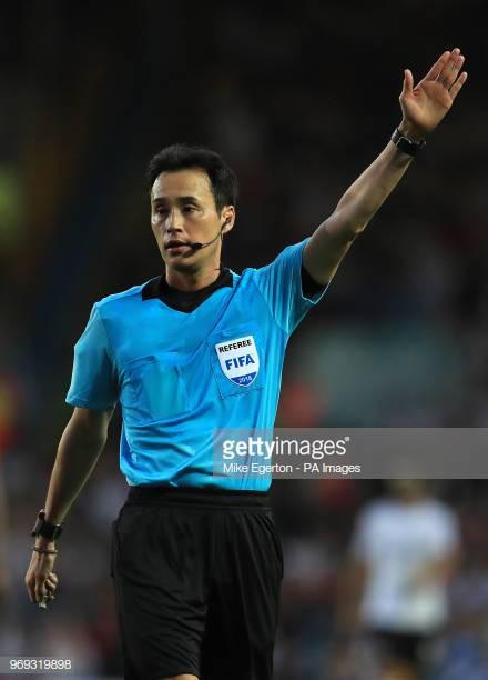 AFF Cup 2018: Tiết lộ danh tính trọng tài bắt chính trận ĐT Việt Nam - Philippines - Ảnh 1.