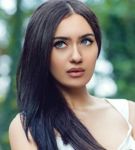 Ảnh: Top 10 phụ nữ Azerbaijan đẹp nhất thế giới - Ảnh 2.