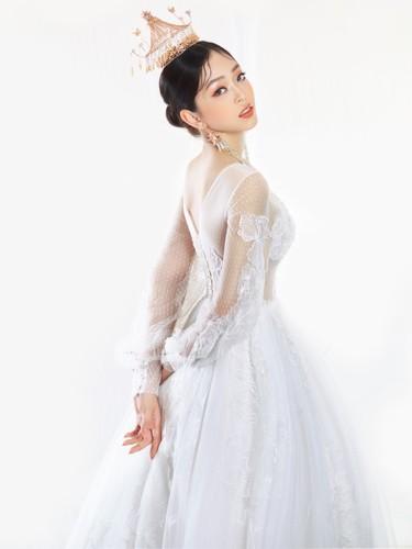 Á hậu Phương Nga hóa cô dâu xinh đẹp, lộng lẫy - Ảnh 11.