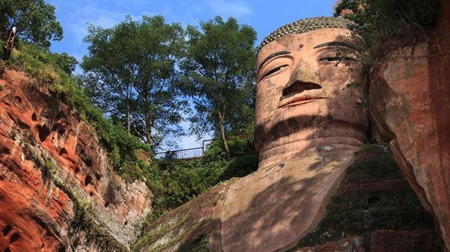 Tương truyền về tượng Phật khổng lồ từng 4 lần rơi lệ - Ảnh 2.