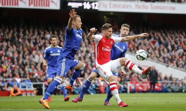 ẢNH: Nhìn lại 10 trận đấu giữa Arsenal và Chelsea - Ảnh 2.