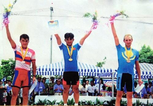 Cua rơ Nguyễn Thị Thật giành chức vô địch châu Á - Ảnh 2.