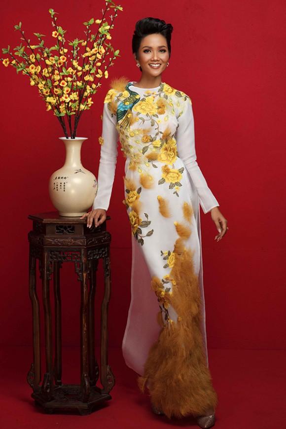 Dàn Hoa Hậu, Á hậu Hoàn vũ Việt Nam rực rỡ trong bộ ảnh đón Tết - Ảnh 6.