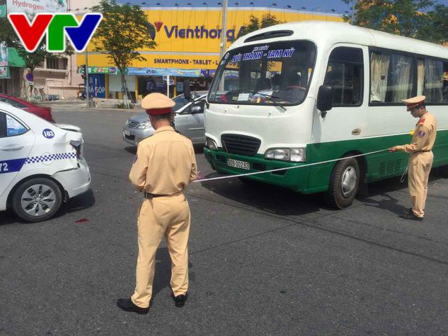 Xe buýt chở 23 học sinh va chạm liên hoàn tại Đà Nẵng - Ảnh 3.